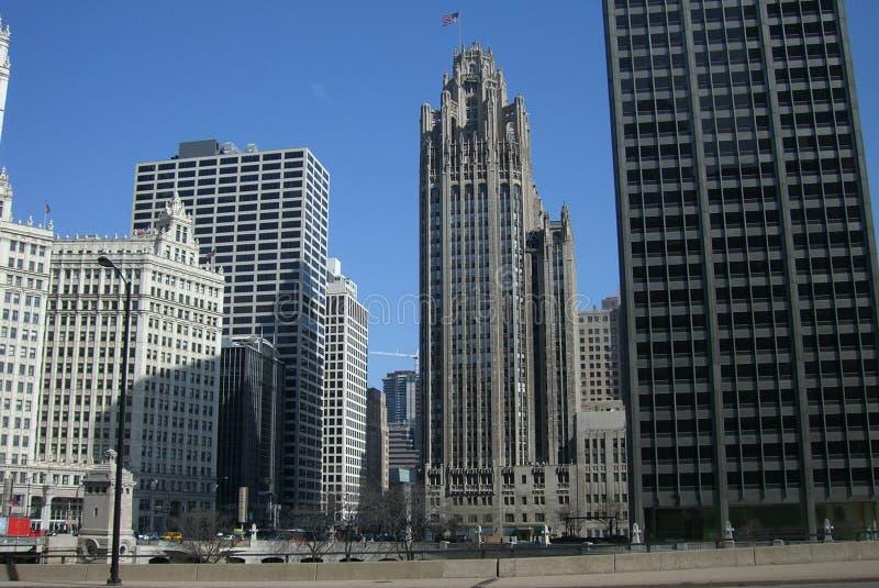 Skyline de Chicago - edifício da tribuna imagens de stock