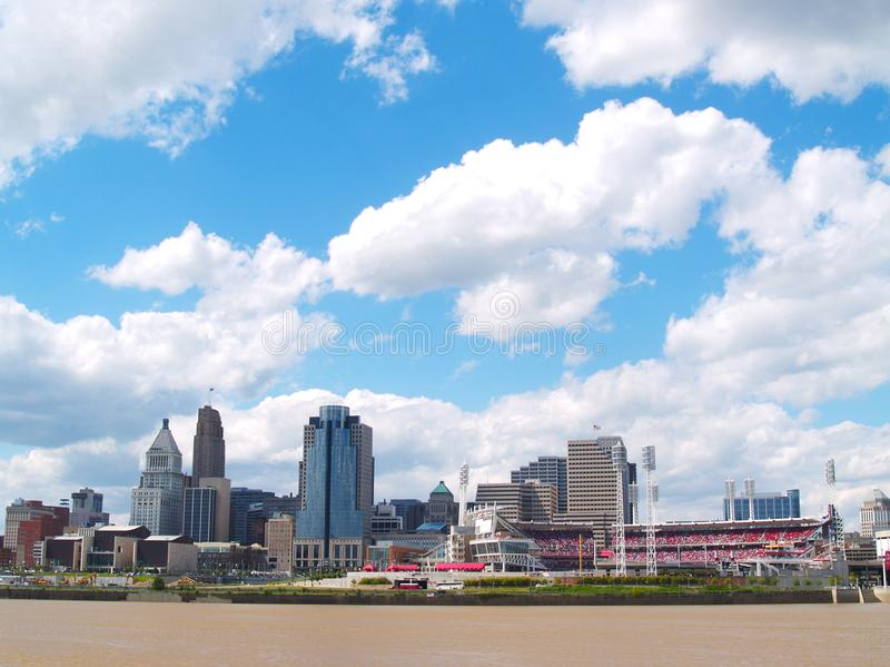 Skyline de Cincinnati, Ohio imagens de stock royalty free