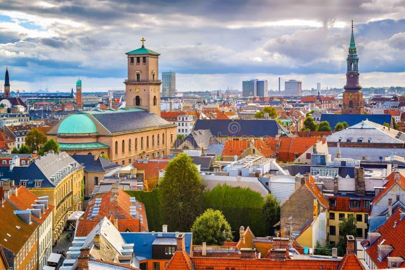 Skyline de Copenhaga, Dinamarca imagens de stock