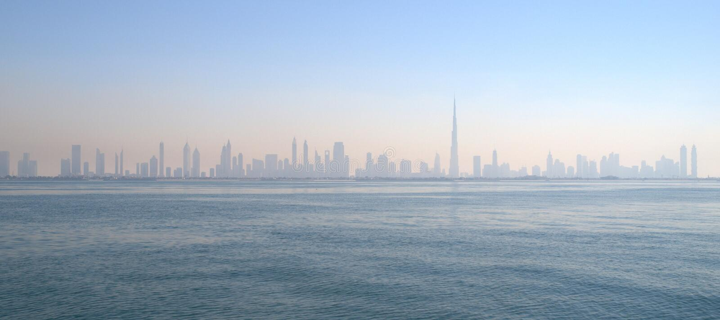 Skyline de Dubai imagens de stock