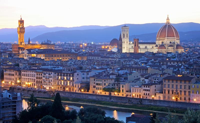 Skyline de Florence Firenze com Palazzo Vecchio e domo imagens de stock