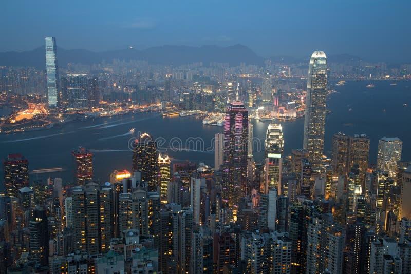 Skyline de Hong Kong no crepúsculo imagem de stock royalty free