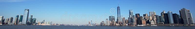 Skyline de Jersey City e de Manhattan imagens de stock royalty free