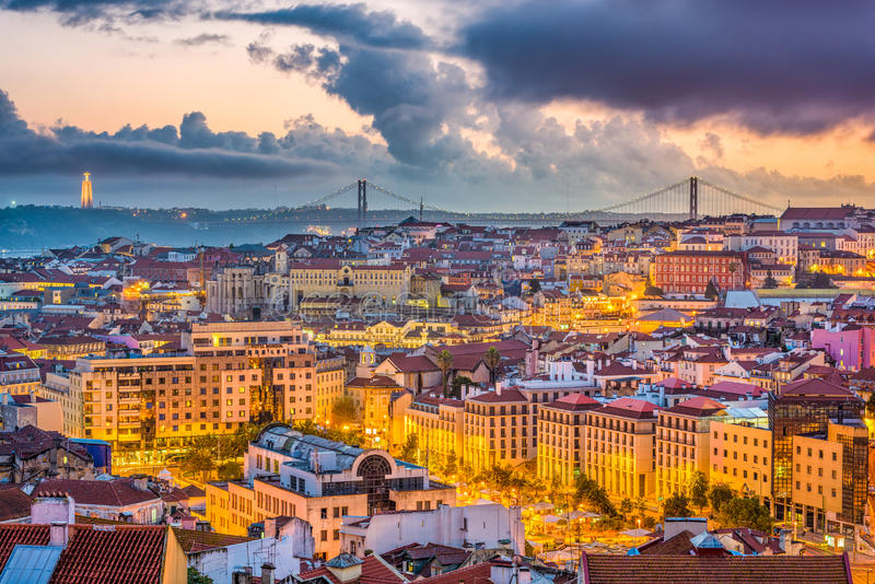 Skyline de Lisboa, Portugal fotos de stock