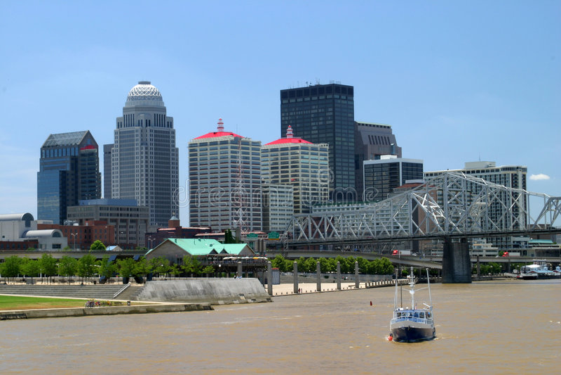 Skyline de Louisville foto de stock