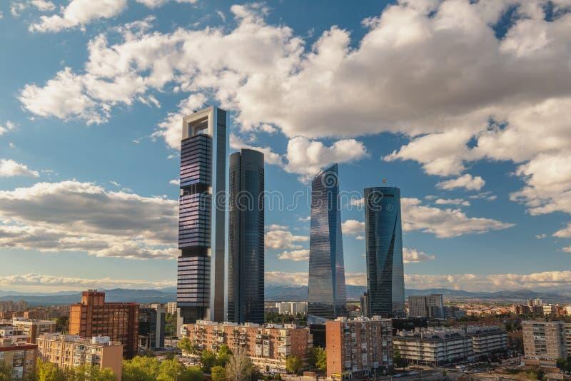 Skyline de Madrid Espagne dans le quartier financier image stock