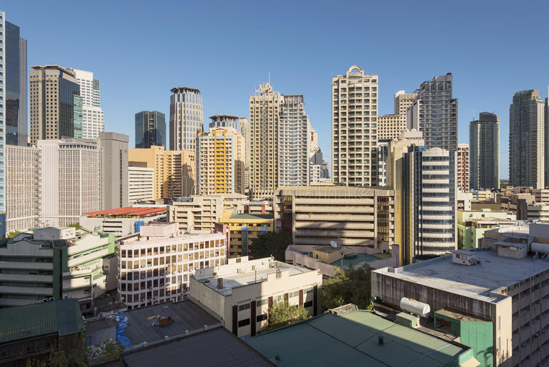 Skyline de Makati em Manila - Filipinas imagem de stock