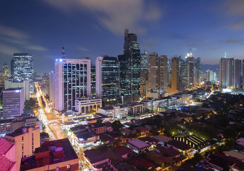 Skyline de Makati, metro Manila imagens de stock royalty free