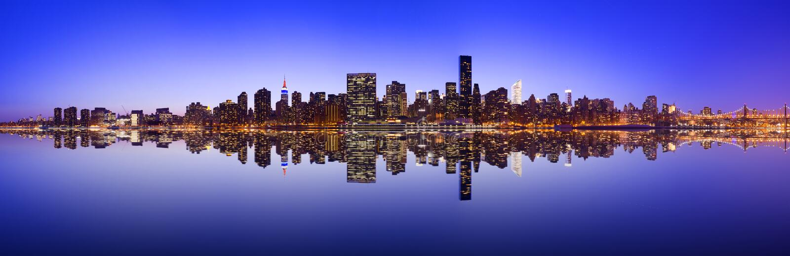 Skyline de Manhattan do Midtown foto de stock