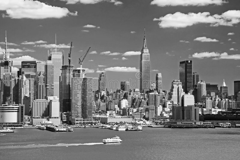 A skyline de Manhattan do Midtown imagem de stock
