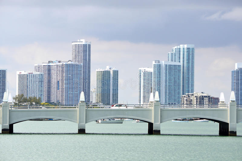 A skyline de Miami do centro fotografia de stock
