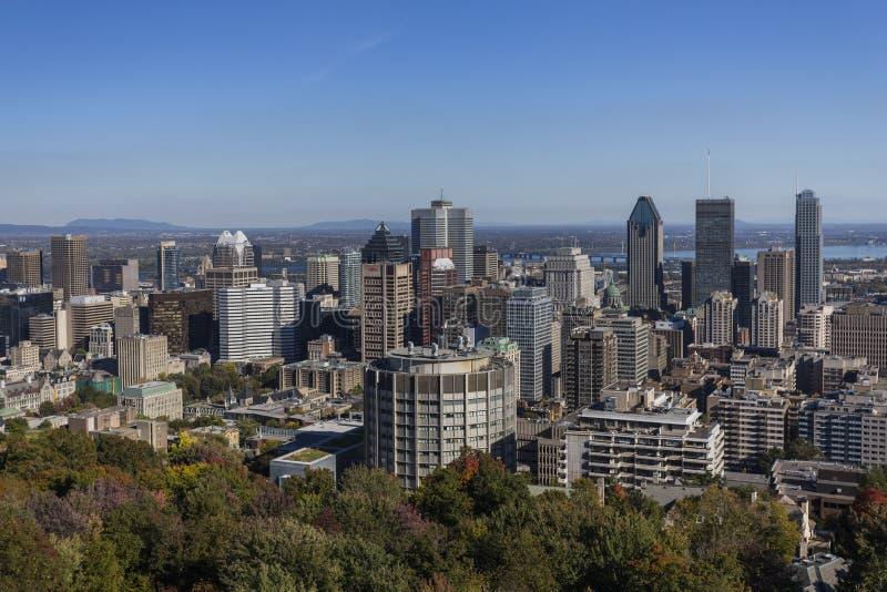 Skyline de Montreal da montagem real imagem de stock