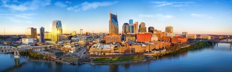 Skyline de Nashville com nascer do sol da manhã fotografia de stock
