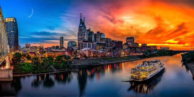 Skyline de Nashville com por do sol fotografia de stock royalty free