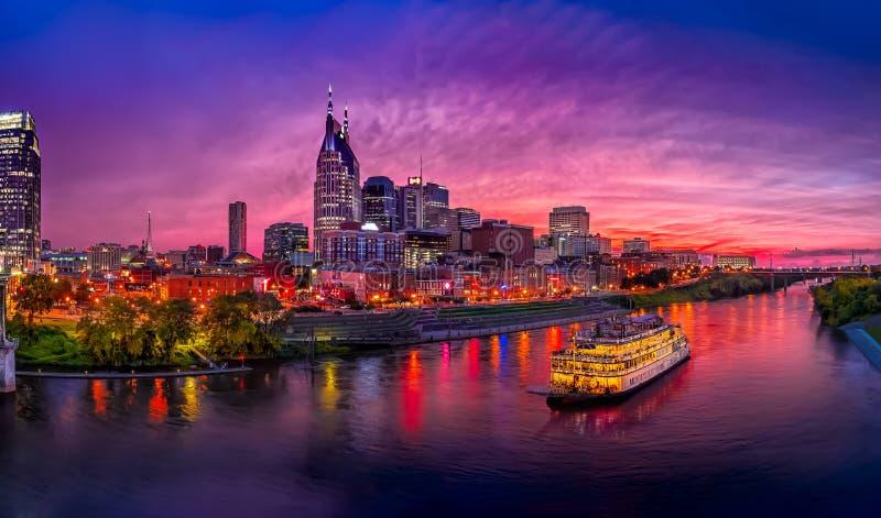Skyline de Nashville com por do sol fotos de stock