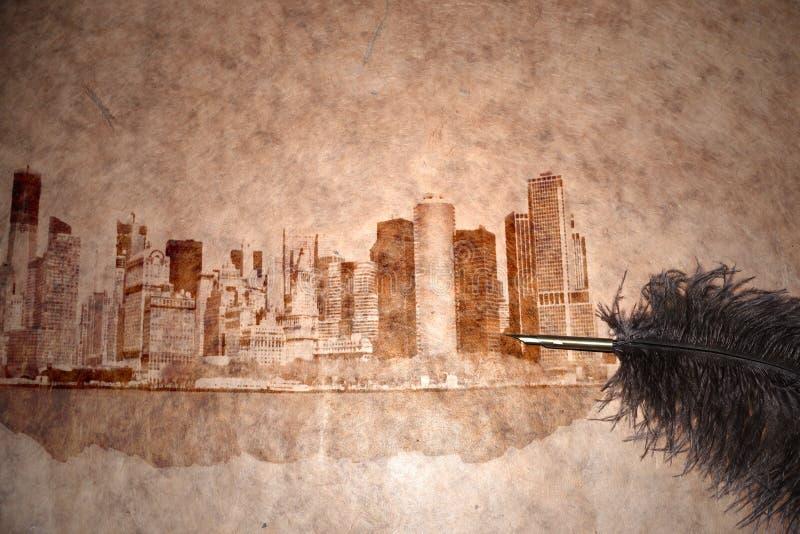 Skyline de New York City em um papel do vintage fotos de stock royalty free