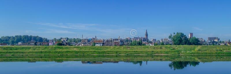Skyline de Nijmegen, os Países Baixos fotos de stock royalty free