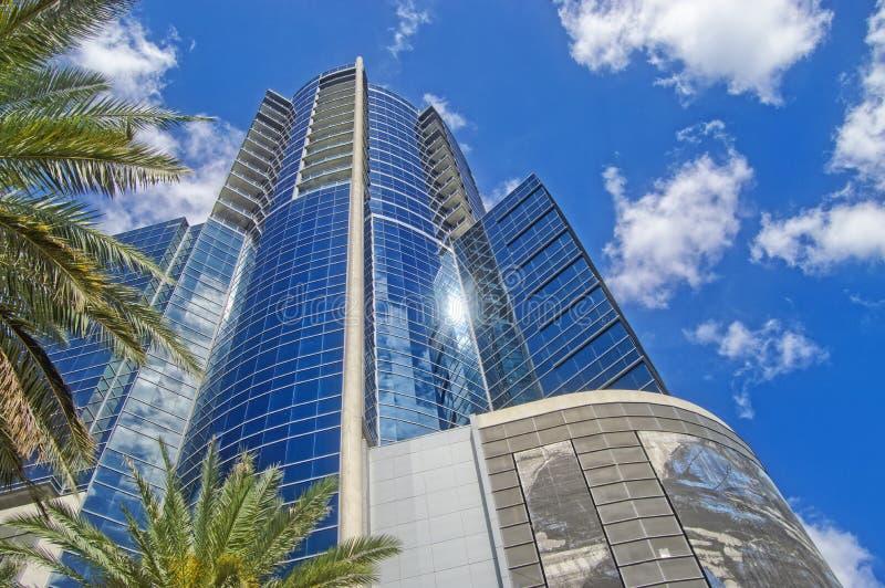 Skyline de Orlando Florida Building do céu azul fotos de stock royalty free