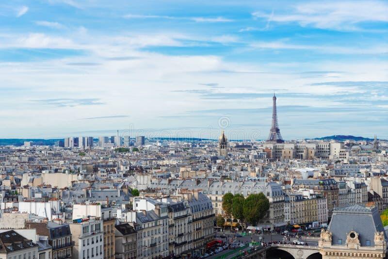 Skyline de Paris com torre Eiffel foto de stock royalty free