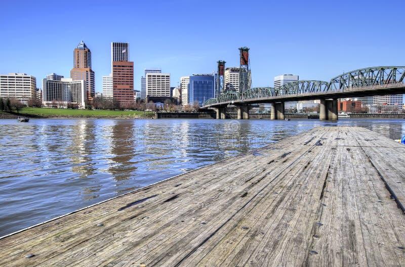 Skyline de Portland das docas fotos de stock