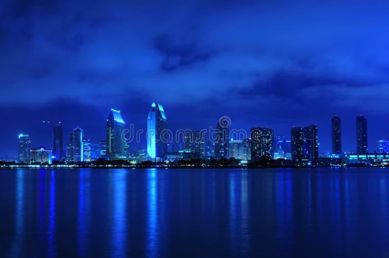 Skyline de San Diego na noite fotos de stock royalty free