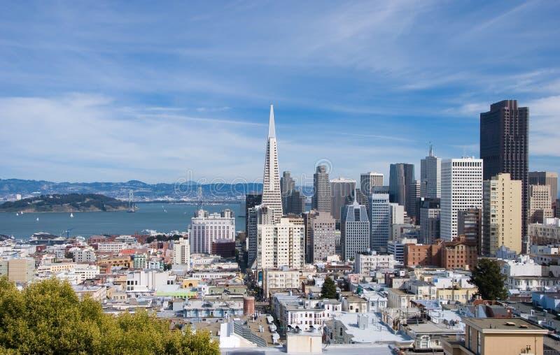 Skyline de San Francisco em o dia imagem de stock royalty free