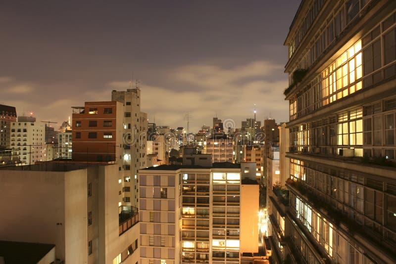 Skyline de Sao Paulo na noite imagem de stock