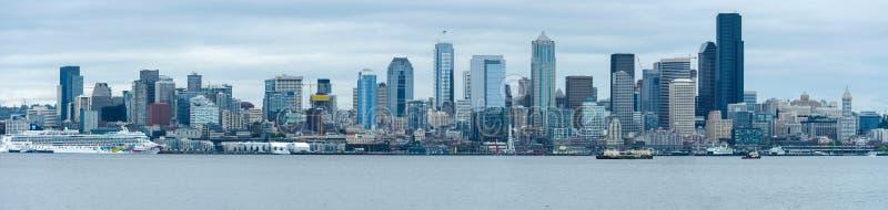 Skyline de Seattle da mola fotos de stock royalty free