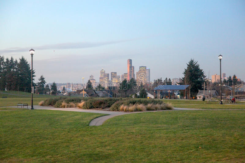 Skyline de Seattle de Jefferson Park foto de stock