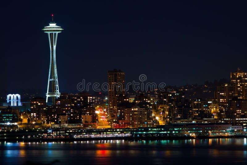 Skyline de Seattle e agulha do espaço imagem de stock royalty free