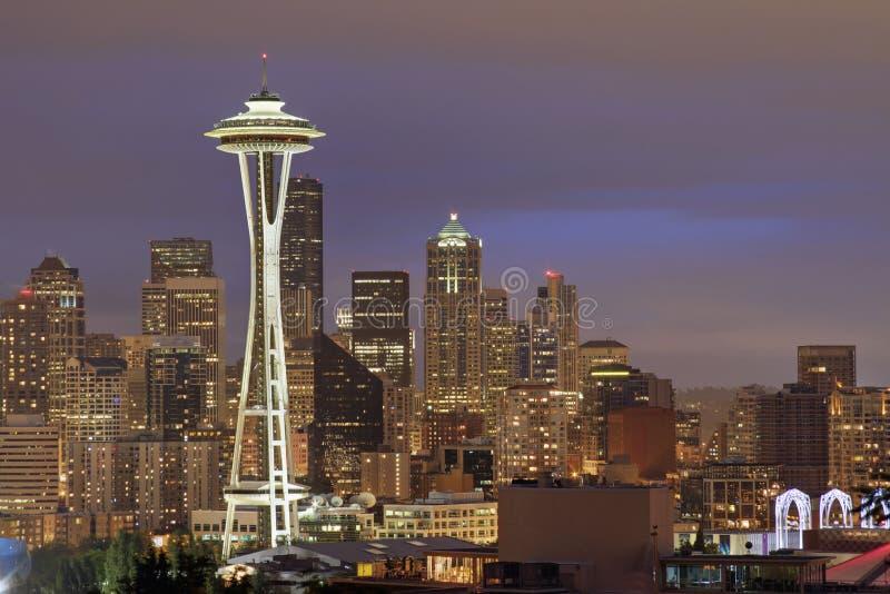 Skyline de Seattle no crepúsculo imagem de stock royalty free
