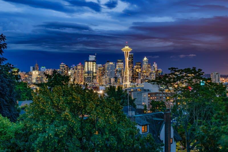 Skyline de Seattle no crepúsculo foto de stock royalty free