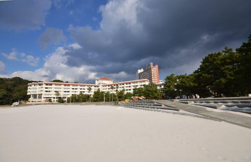 Skyline de Shirahama, Japão nos recursos beira-mar imagem de stock royalty free