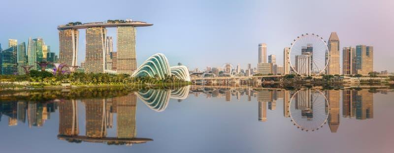 Skyline de Singapura e opinião Marina Bay imagem de stock royalty free