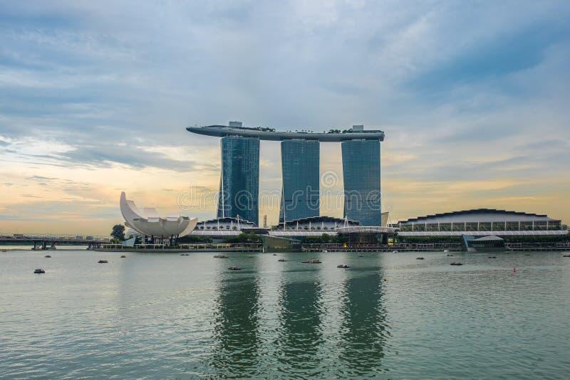 Skyline de Singapura e opinião Marina Sand Bay imagens de stock
