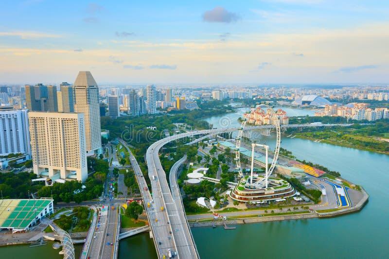 Skyline de Singapura, roda das balsas, aérea fotos de stock