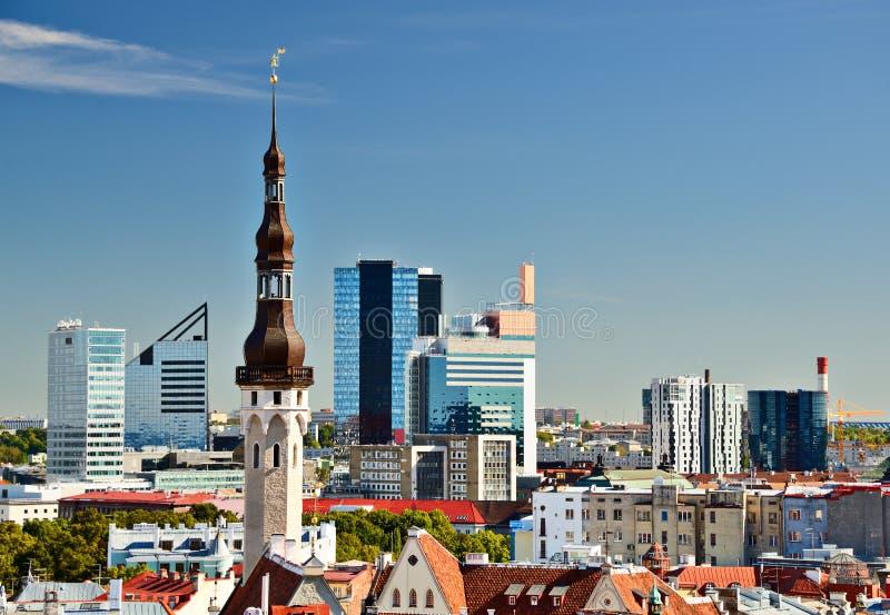 Skyline de Tallinn Estônia foto de stock