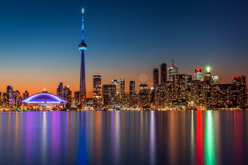 Skyline de Toronto no crepúsculo fotos de stock royalty free