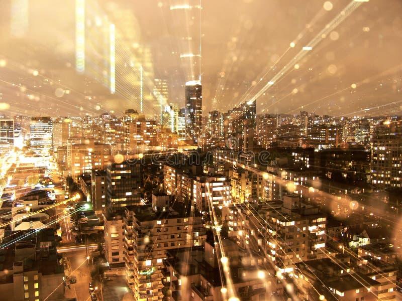 Skyline de Vancôver na noite foto de stock royalty free