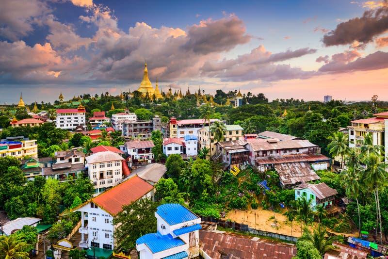 Skyline de Yangon foto de stock royalty free