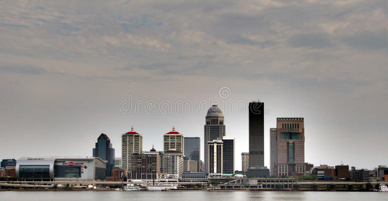 Skyline Derby City KFC Yum Center Louisvilles Kentucky stockbild