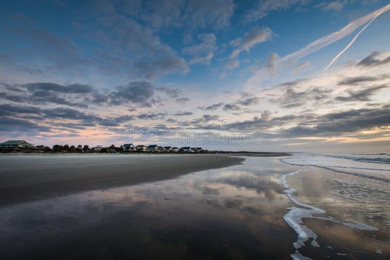 Skyline des Strandes steuern an der Insel von Palmen, in Charleston South Car automatisch an lizenzfreie stockfotos