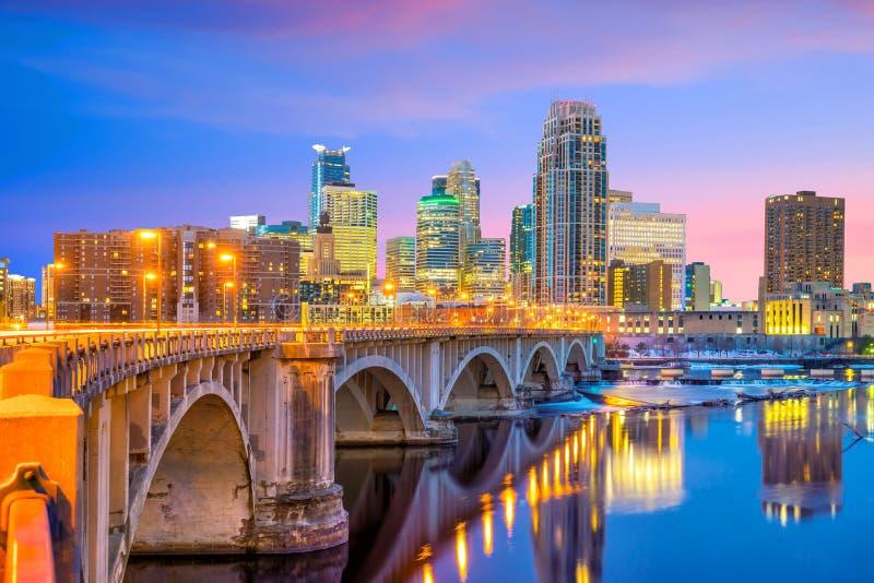 Skyline do centro de Minneapolis em Minnesota, EUA fotos de stock royalty free