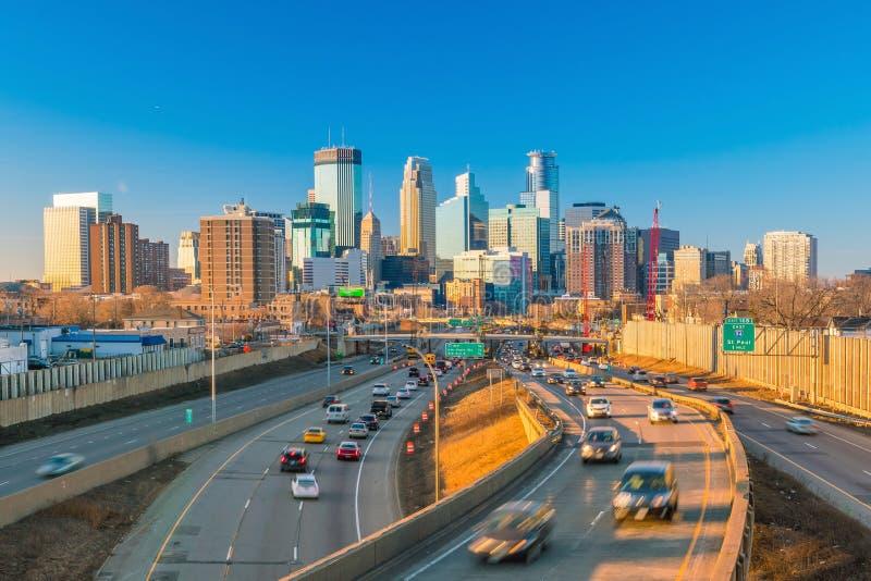 Skyline do centro de Minneapolis em Minnesota, EUA foto de stock royalty free