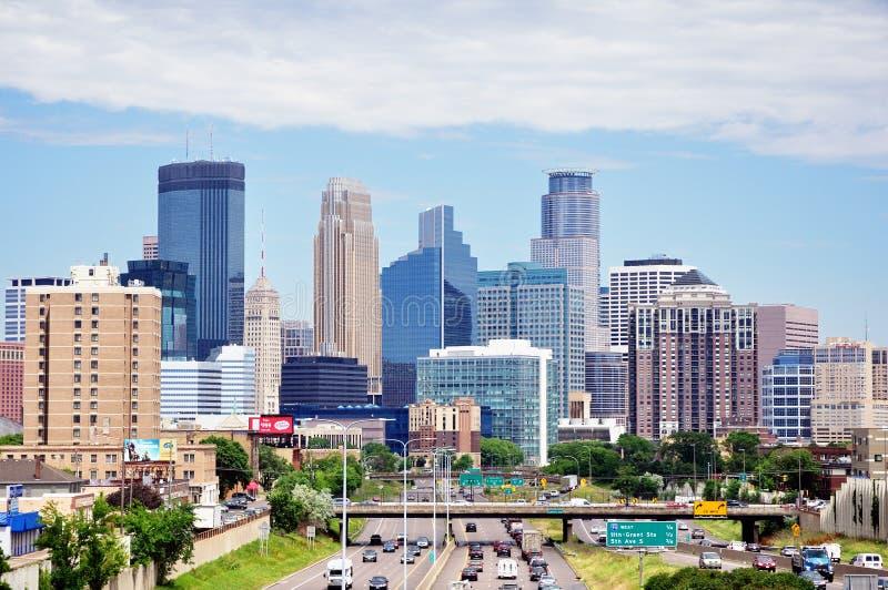 Skyline do centro de Minneapolis Minnesota imagens de stock royalty free