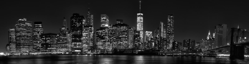 Skyline do centro de New York City Manhattan no crepúsculo com arranha-céus imagem de stock