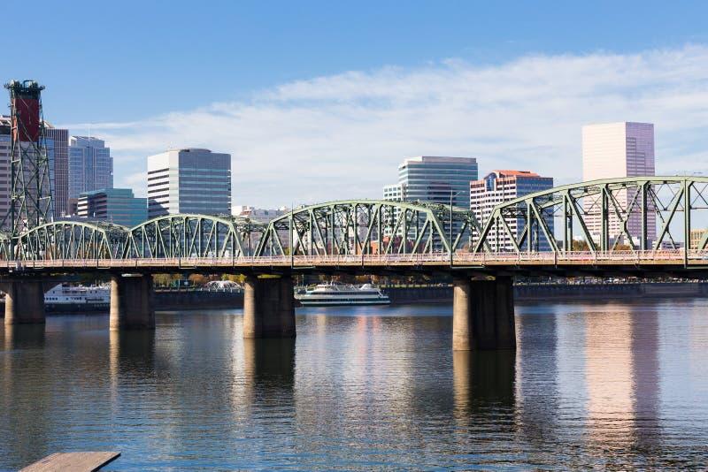 Skyline do centro de Portland Oregon fotos de stock