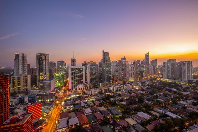 Skyline do makati em manila, Filipinas foto de stock royalty free