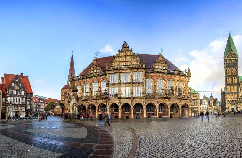 Download Skyline Do Mercado Principal De Brema, Alemanha Foto de Stock - Imagem de europa, midtown: 107526918