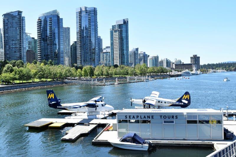 A skyline e o porto de Vancôver, no Columbia Britânica, Canadá fotografia de stock